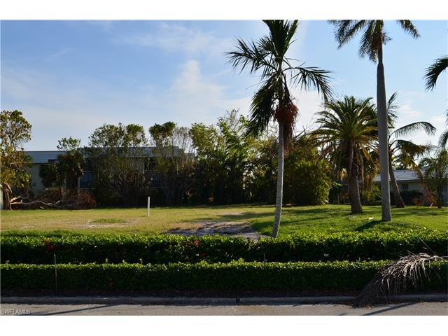 750 Park Shore Dr, Naples, FL 34103
