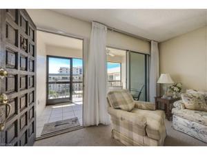 3200 Gulf Shore Blvd N 404, Naples, FL 34103