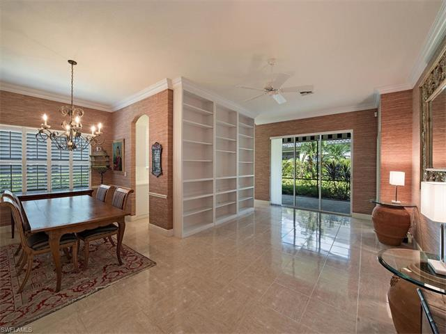 933 Vistana Cir, Naples, FL 34119