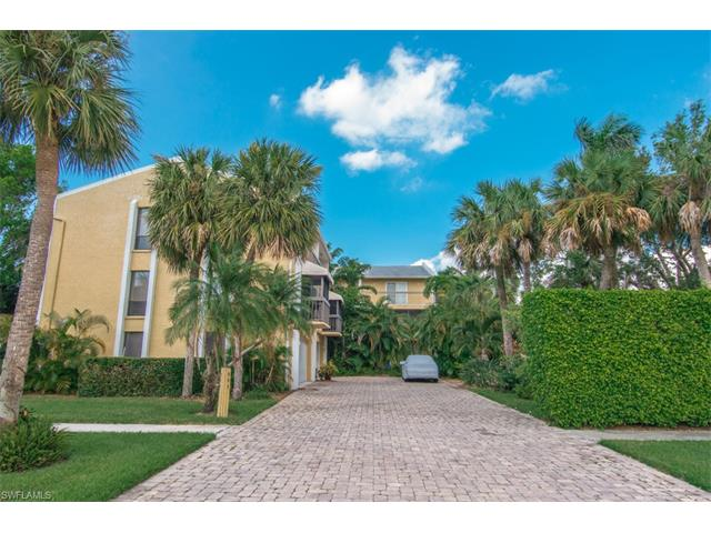 995 9th Ave S 6, Naples, FL 34102