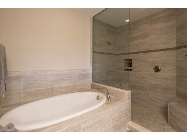 16452 Carrara Way 9-302, Naples, FL 34110