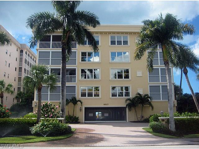 9517 Gulf Shore Dr 303, Naples, FL 34108
