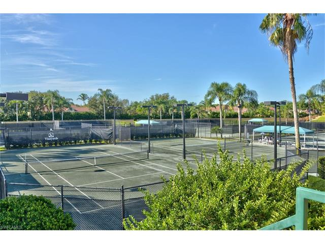 57 Silver Oaks Cir 13104, Naples, FL 34119