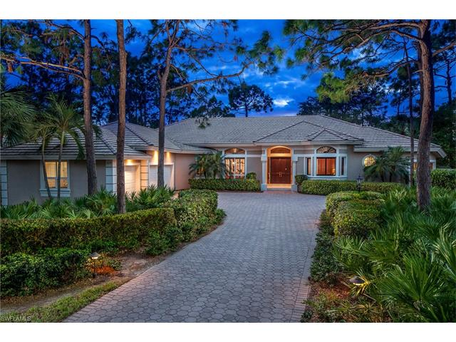 819 Barcarmil Way, Naples, FL 34110
