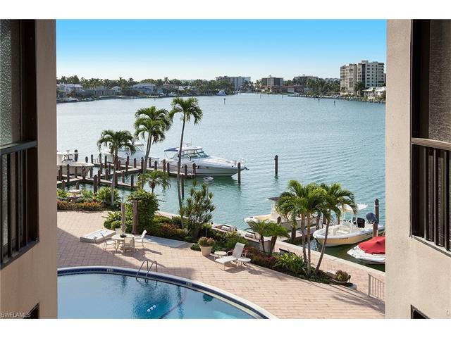 222 Harbour Dr 307, Naples, FL 34103