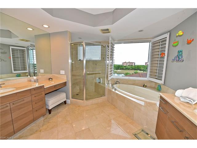 23850 Via Italia Cir 302, Bonita Springs, FL 34134