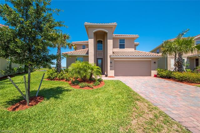 2442 Heydon Cir E, Naples, FL 34120