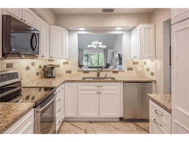 510 Courtside Dr E-205, Naples, FL 34105