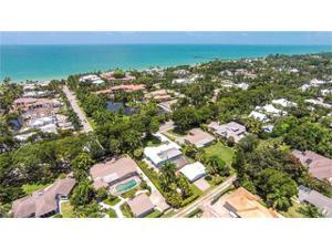 1675 Gordon Dr, Naples, FL 34102