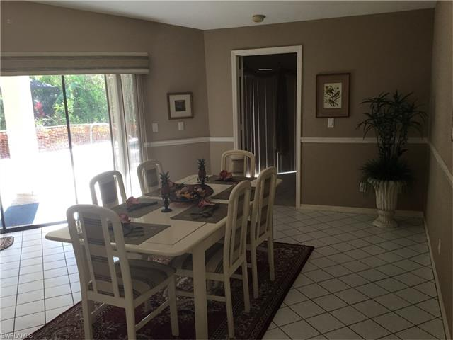 453 Countryside Dr, Naples, FL 34104