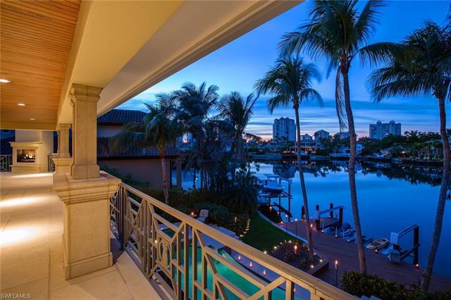 377 Pirates Bight, Naples, FL 34103