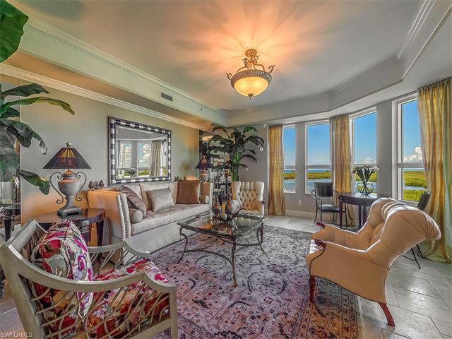 285 Grande Way 1006, Naples, FL 34110