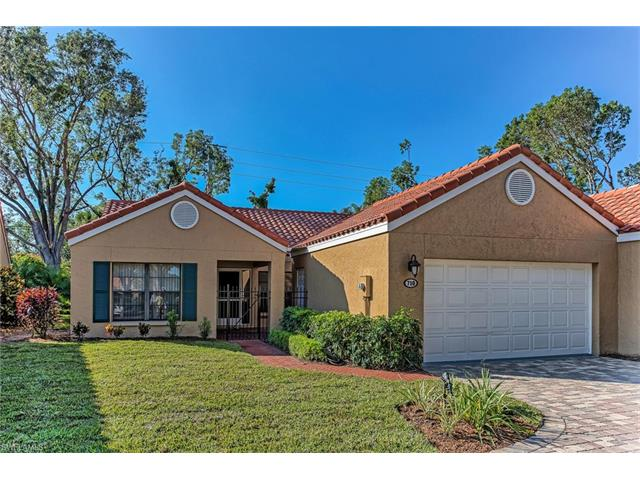 710 Reef Point Cir, Naples, FL 34108