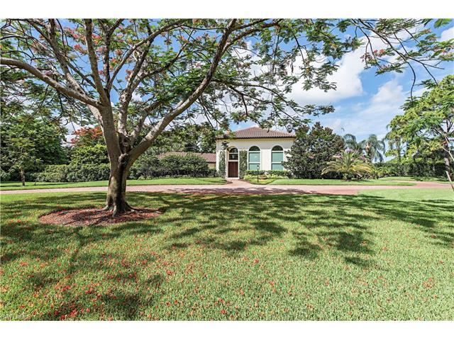 421 Ridge Ct, Naples, FL 34108