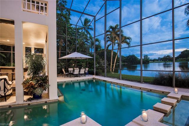 584 Banyan Blvd, Naples, FL 34102
