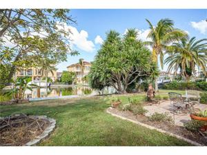211 Conners Ave, Naples, FL 34108