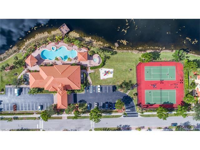 14932 Summit Place Cir 20, Naples, FL 34119