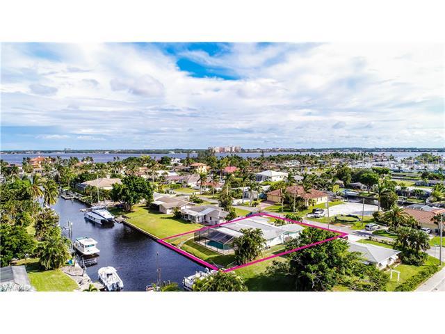 1105 Lincoln Ct, Cape Coral, FL 33904