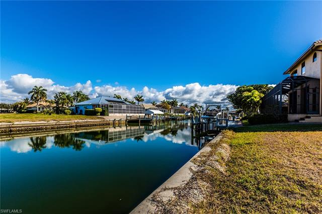 1080 Dana Ct, Marco Island, FL 34145