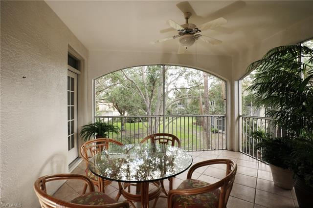 74 Silver Oaks Cir 9202, Naples, FL 34119