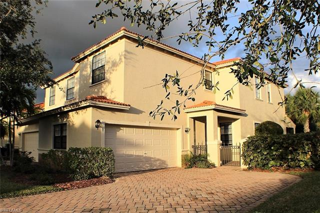 15462 Summit Place Cir 123, Naples, FL 34119