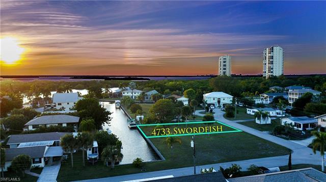 4733 Swordfish St, Bonita Springs, FL 34134