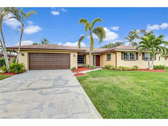 105 Doral Cir, Naples, FL 34113