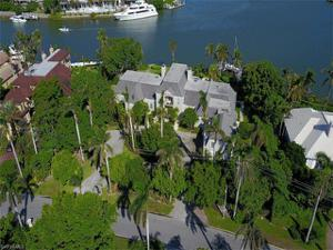 575 Admiralty Parade, Naples, FL 34102