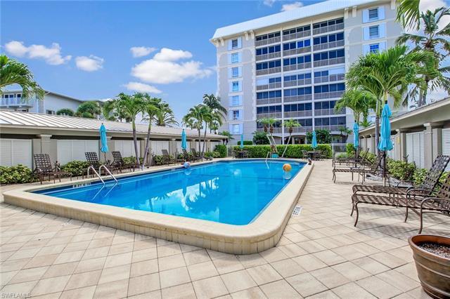 2750 Gulf Shore Blvd N 103, Naples, FL 34103
