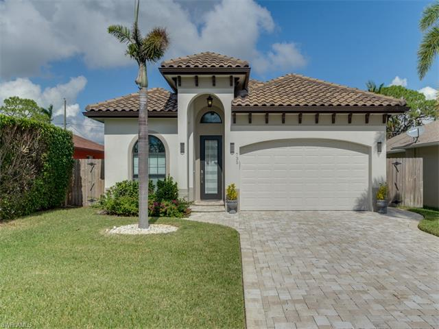 735 99th Ave N, Naples, FL 34108