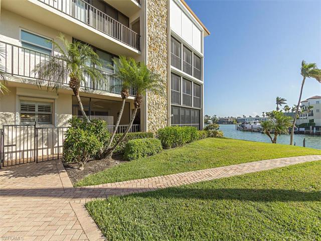 2900 Gulf Shore Blvd N 102, Naples, FL 34103