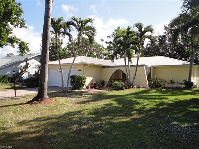 4497 Beechwood Lake Dr N, Naples, FL 34112