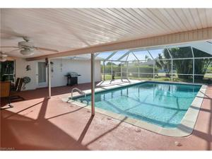 712 32nd Ter, Cape Coral, FL 33904