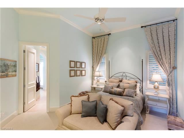 1618 Chinaberry Way, Naples, FL 34105