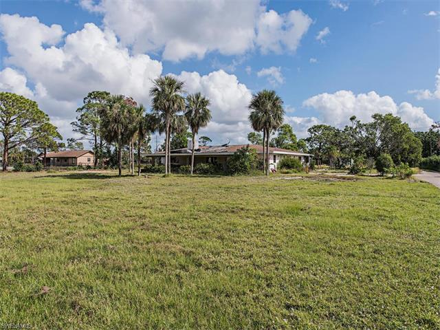 338 Ridge Dr, Naples, FL 34108