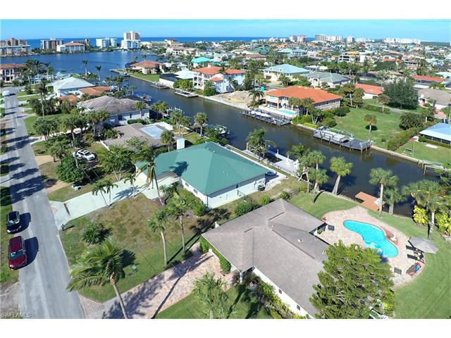 495 Pine Ave, Naples, FL 34108