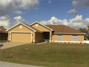 414 Willowbrook Dr, Lehigh Acres, FL 33972