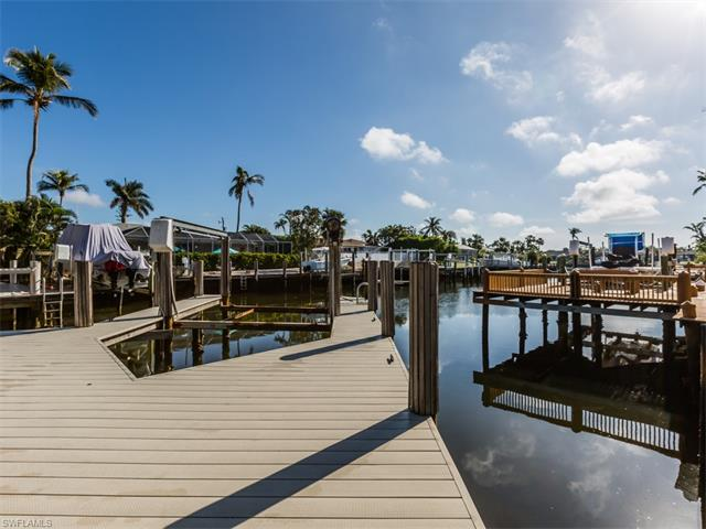 795 Willow Ct, Marco Island, FL 34145