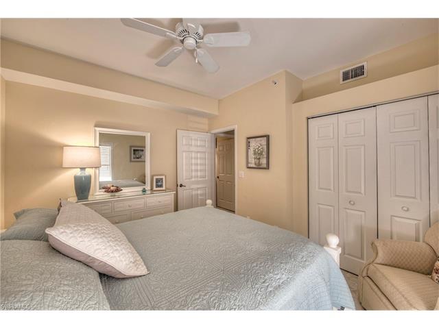 5125 Cedar Springs Dr 102, Naples, FL 34110