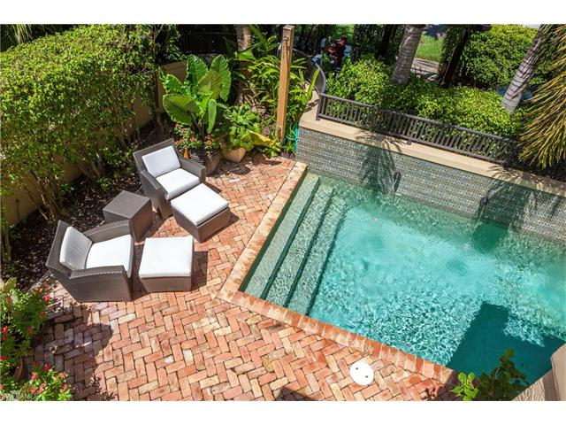 220 5th Ave S F-1, Naples, FL 34102