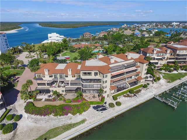 312 La Peninsula Blvd 312, Naples, FL 34113