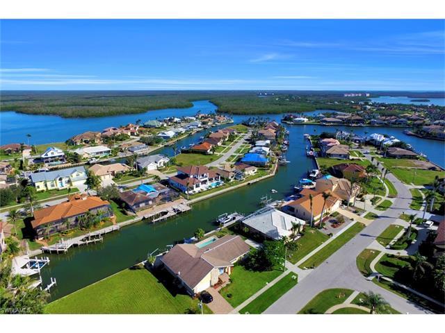 187 Dan River Ct, Marco Island, FL 34145