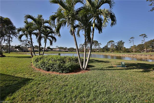 246 Edgemere Way E, Naples, FL 34105