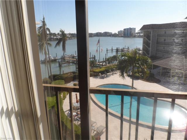 222 Harbour Dr 406, Naples, FL 34103