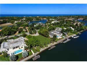 3221 Fort Charles Dr, Naples, FL 34102