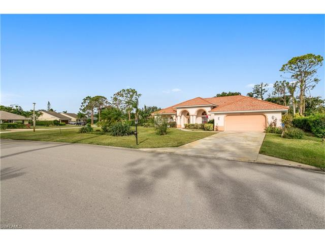 2325 Queens Way, Naples, FL 34112