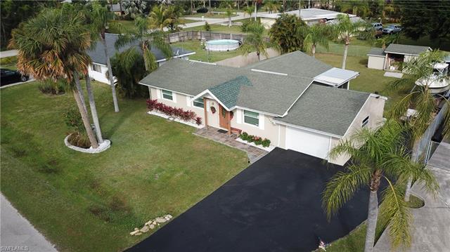 4584 San Antonio Ln, Bonita Springs, FL 34134