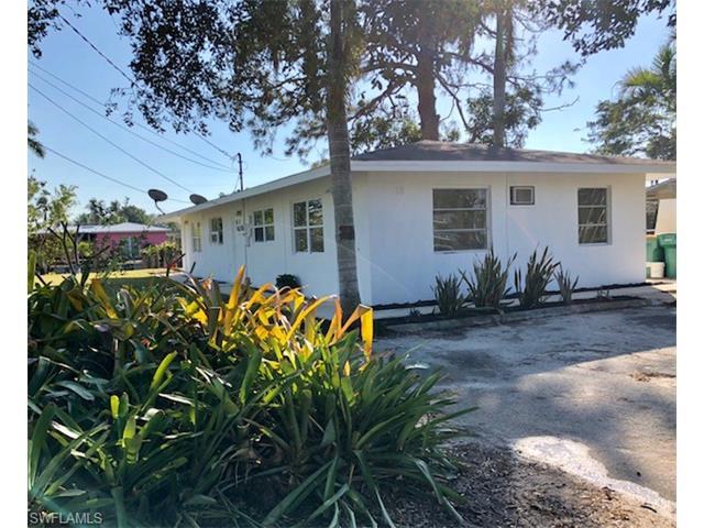 2818 Shoreview Dr, Naples, FL 34112