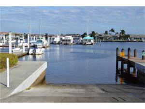 194 Newport Dr 904, Naples, FL 34114