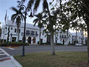 292 14th Ave S E, Naples, FL 34102